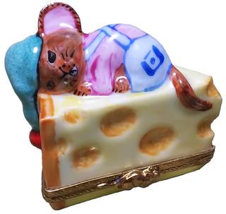 チーズがベッド.jpg
